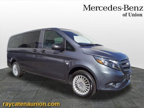 Certified Pre-Owned 2017 Mercedes-Benz Metris Passenger