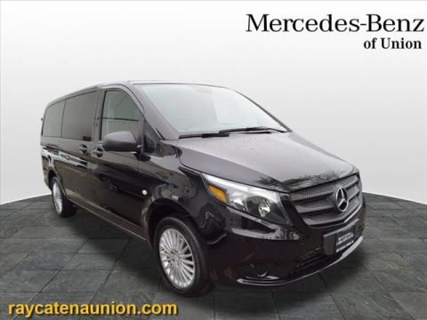 Certified Pre-Owned 2018 Mercedes-Benz Metris Passenger Van